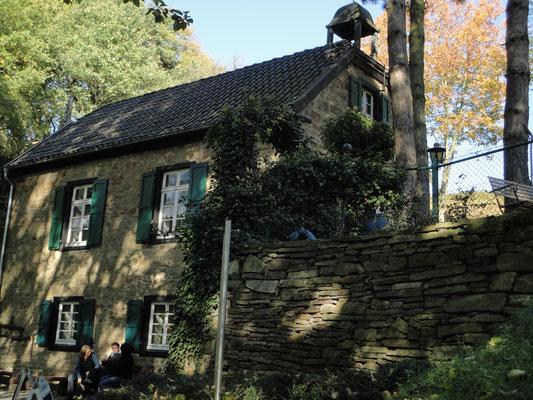 Das alte Bethaus, heute Museum und Café. Immer offen, außer montags.