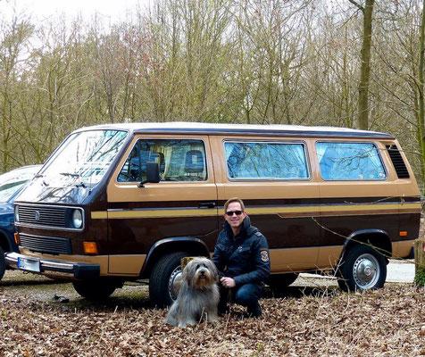 Mit dem T3 (ich nenne ihn immer Braunbär, da er die gleichen Farben hat wie das Eis, welches es in den 1980er Jahren gab) unterwegs Wandern im Münsterland in der Haard..
