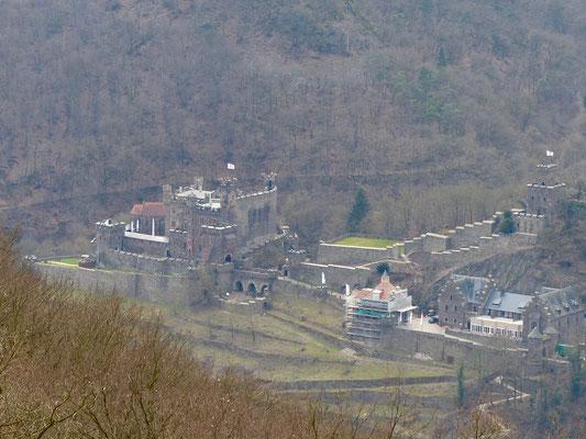 Und noch einmal: Burg Rheinstein. Oder Burg Sooneck. Oder eine andere. Da verlierst Du schnell den Überblick als Auswärtiger.