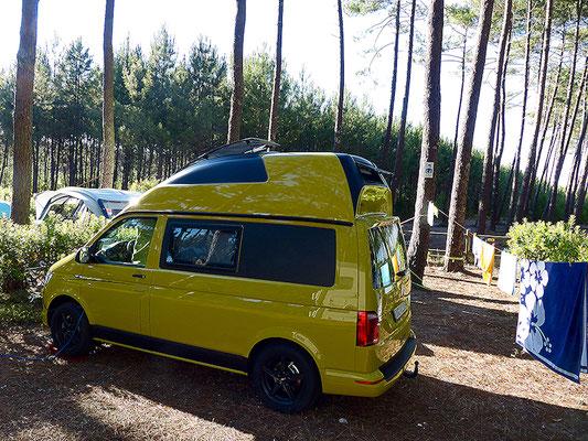 Unser Campingplatz an der französischen Atlantikküste. Buslife pur.