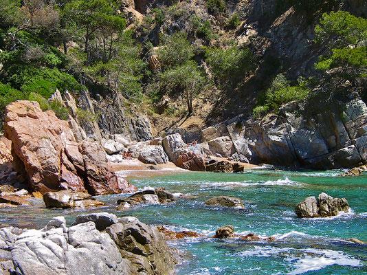 Der Campingplatz besitzt mehrere tolle steile Buchten, so dass es nie zu voll wird.