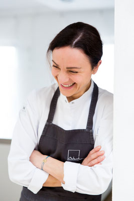 Brigitte Berghammer-Hunger, chef at Gasthaus Ödenturm - pic taken for Der Feinschmecker Magazin #1/18