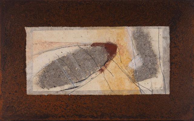 Relikt, 2019, 30 x 48 cm, Asche, Pigmente, Sand auf Papier und Eisen, € 390,-