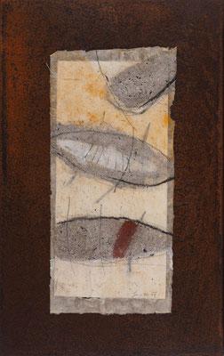 Relikt, 2019, 48 x 30 cm, Asche, Pigmente, Sand auf Papier und Eisen, € 370,-
