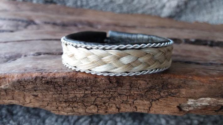 Pferdehaararmband aus Rentierleder, Zinndraht, Schweifhaar,  018-B30-H-DG, €75,-