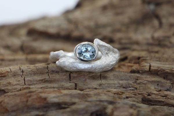 organischer Ring mit Aquamarin, 925/er Silber, VERKAUFT