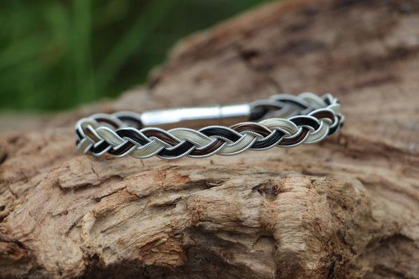 3fach flachgeflochtenes Pferdehaararmband mit Zinndraht mit 4% Silberanteil und Edelstahl-Klickverschluss