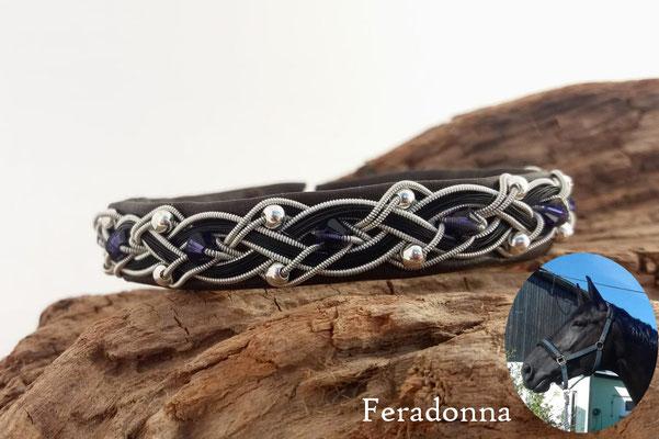Rentierlederarmband mit Zinndraht, Swarovskiperlen, Silberperlen und Schweifhaar bestickt
