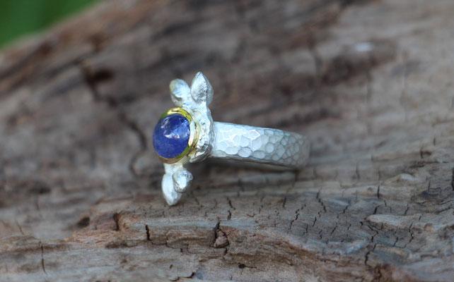 Ring mit Knospen und Tansanit, 925#/er Silber, 750/er Gelbgold, €435,-