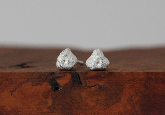 Ohrstecker Allium Frucht, 925/er Silber,  € 38,-