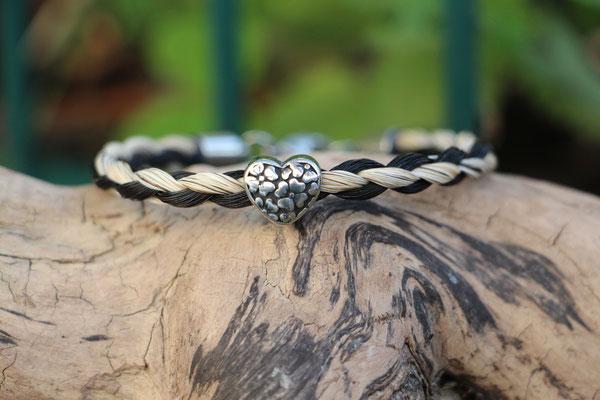 4fach rundgeflochtenes Armband mit Edelstahlanhänger Herz