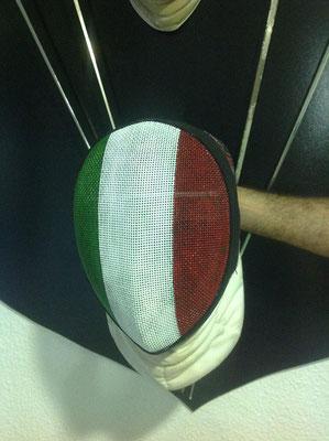 Careta para Safont con la bandera italiana