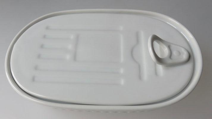 fischdose aus porzellan norddeutsche k stlichkeiten online shop onlineshop. Black Bedroom Furniture Sets. Home Design Ideas