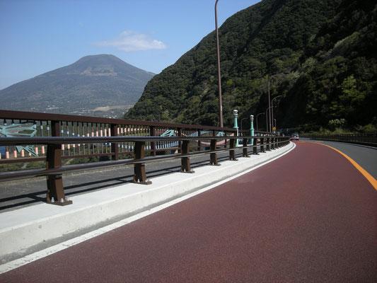 八丈島 逢坂橋