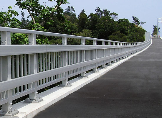 角ビーム 運天原橋/沖縄県