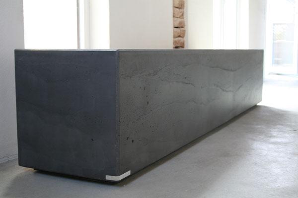 beton, sitzbank , esstisch , möbel , hocker , stuhl , kunst , schreiner , design , massiv , kubisch , modern , sideboard , lowboard , anthrazit , schwarz