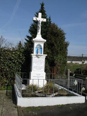 Kreuz in Holenfeld
