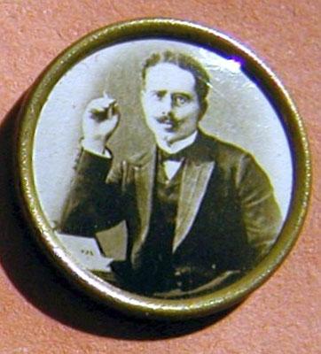 Karl Liebknecht. Anstecknadel aus dem Besitz von Ernst Kelterborn. StA Göttingen