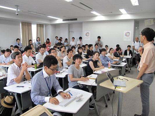 「キャリア教育の最前線」児美川先生によるミニ講演。立ち見の方も多く盛況でした!(2017.8)