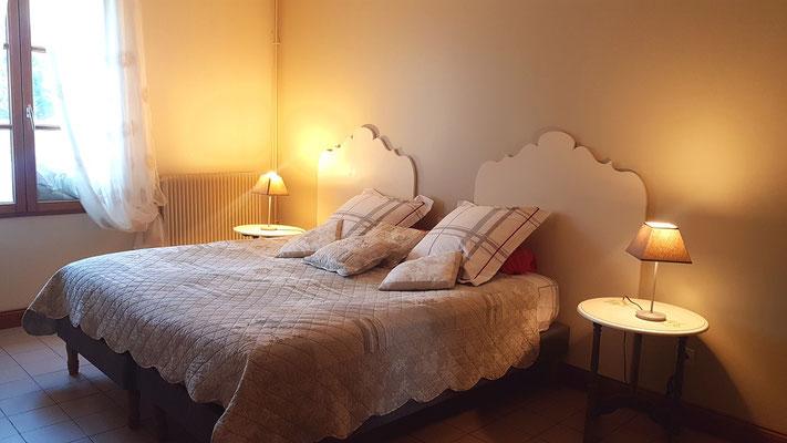 Le Champ du Pré - Chambres d'hôtes entre Sologne et Val de Loire - Week-ends et vacances en amoureux ou en famille - Salle de bain de la chambre lits jumeaux