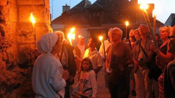 Le Champ du Pré - Chambre d'hôtes Sologne Val de Loire - A faire : une visite guidée au flambeaux avec l'Office de Tourisme Sologne coté sud