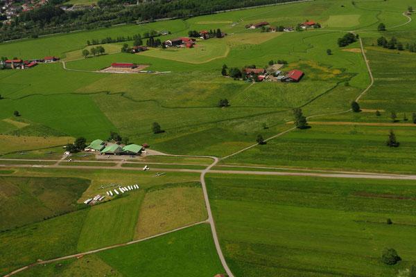Segelfluggelände Agathazeller Moos, im Holding, warten auf die Landung. Foto: PE