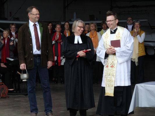 1.Bgm Kuchlbauer, Pfarrerin Buck, Pfarrer Kampe, Foto: jkob