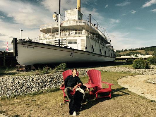 City Day in Whitehorse bei der SS Klondike. Unglaublich, dass dieses Dampfschiff den Yukon River hochgefahren sein soll.