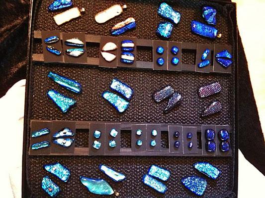 Glasfusing verschiedene Beispiele für Ketten, Ohrringe, etc.