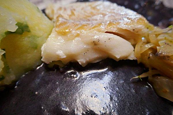 Grüne Klöße mit Bärlauch, Fisch in Lila Mais-Soße und Fenchegemüse