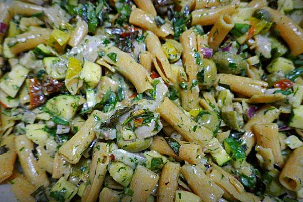glutenfreier Nudelsalat aus Resten