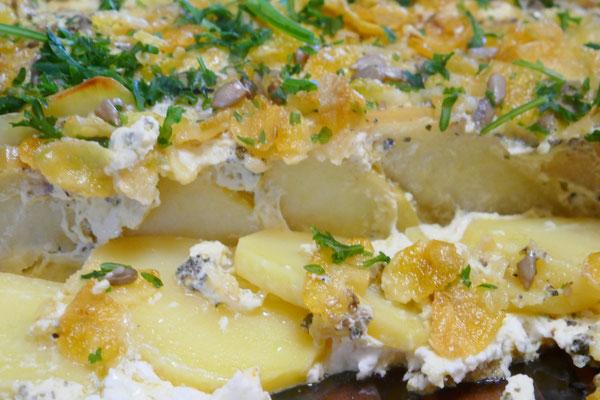 Herzhafter Kartoffel-Apfel-Auflauf