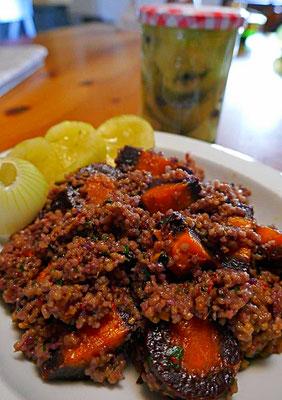 Hirse und Möhren in Curry-Kokosmilch