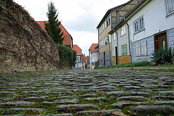 Gäßchen mit altem Steinpflaster in Bad Langensalza