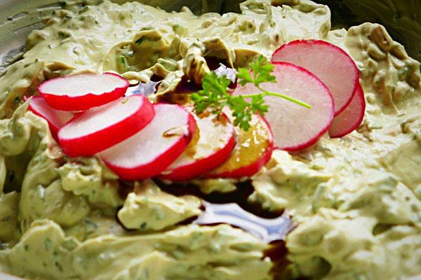 Kräuterquark mit Kürbiskernöl