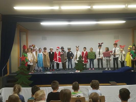 Stand-Up-Theaterstück der Klasse 2