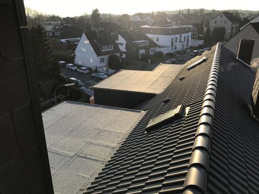 Hier sehen Sie das neu gedeckte Dach!