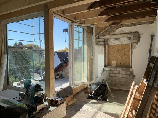 Schon nach kurzer Zeit wird die Loggia inkl. der Fensterelemente fertiggestellt.