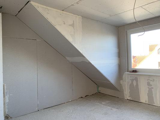 Im Anschluss werden die Wände ebenfalls mit Gipskarton verkleidet.