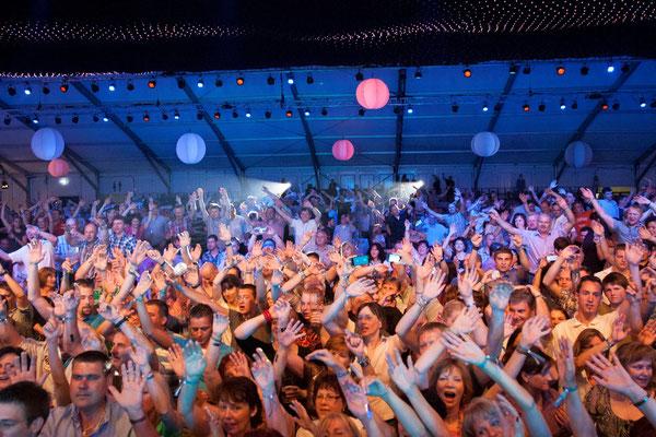 welcome-net, Veranstaltungsorganisation Stuttgart, Familientag, Partystimmung, tanzende Gäste