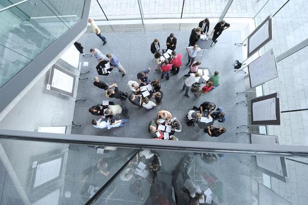 welcome-net, Event-Agentur Stuttgart, Workshop-Situation Flipcharts, MBtech, Messe Stuttgart Flughafen