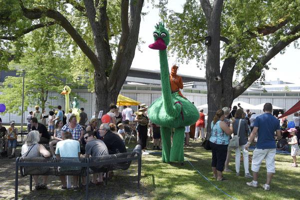 welcome-net Stuttgart, Eventmanagement, Großveranstaltung, Sindelfingen bei Stuttgart, Familienfest, Mitarbeiterfest, Stelzenläufer