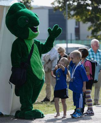 welcome-net, Eventmanagement Stuttgart, Sport-Event, Marathon in Niedernhall, Maskottchen mit Kindern