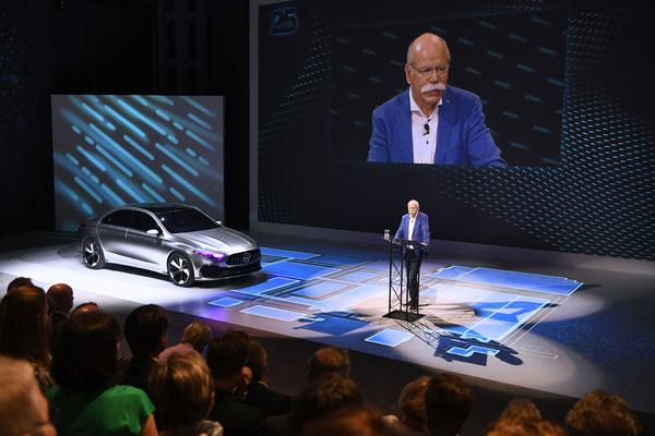 welcome-net Stuttgart, Full-Service-Agentur, 25 Jahre Mercedes-Benz Werk Rastatt, Dr. Dieter Zetsche auf Bühne