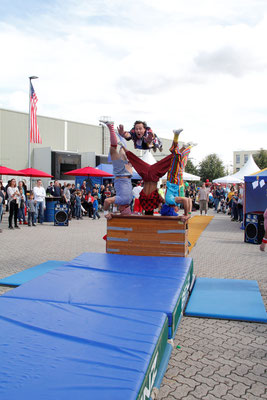 welcome-net Events Stuttgart, Sommerfest Germersheim Logistics Center, Familientag, Turnvorführung mit Clowns