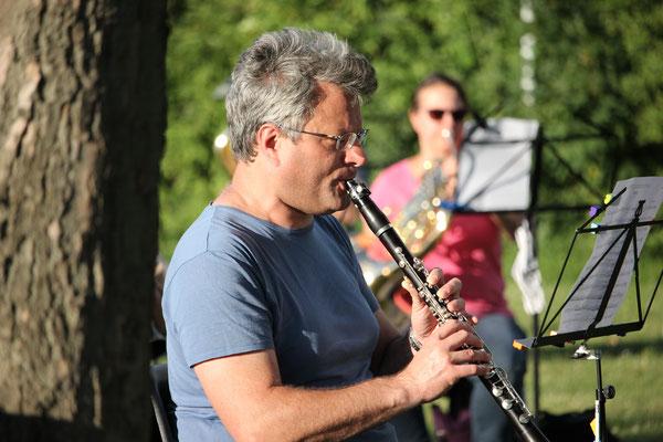 Erste Freilichtprobe des Modernen Blasorchesters Oppau nach der Corona-bedingten Zwangspause (Bildrechte: Köstlmaier)