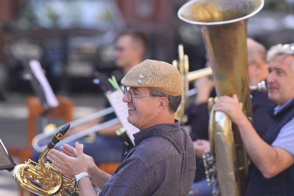 Das Moderne Blasorchester Oppau beim Auftritt am  Freiwilligentag 2020 (Bildrechte: MBO)