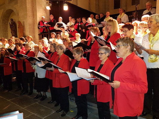 """Chant commun """"Ave Maria"""" de Caccini par les chorales de """"La Voix des Volcans"""" de Chamalières et """"Volcalise de la Bourboule"""