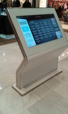 CMC Métallerie Avranches(50)-Mobilier Agencement Bornes interactives finale avec son écran