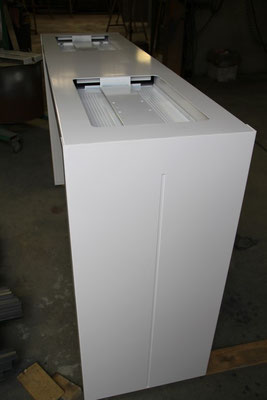 CMC Métallerie Avranches(50)-Mobilier Agencement Table support écran acier thermolaqué